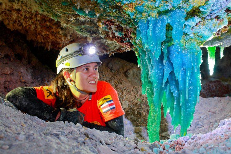 caverna de colores